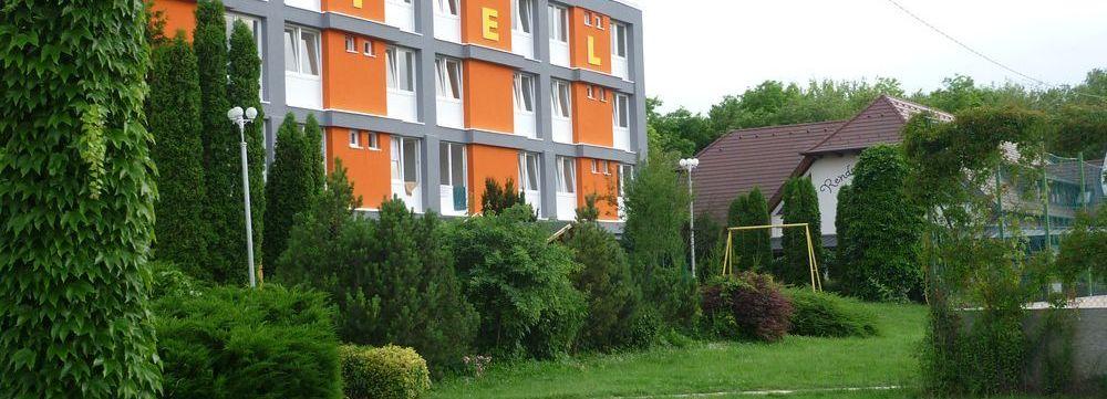 slide-hotel